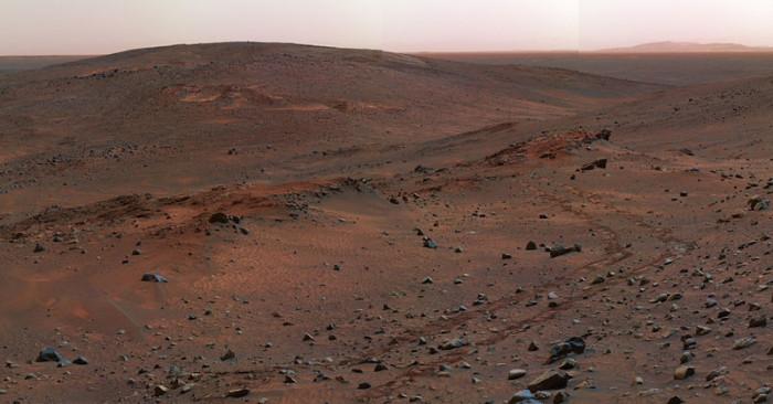 Foto da superfície de Marte tirada pelo robot Spirit
