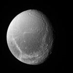 Dione – Satélite de Saturno