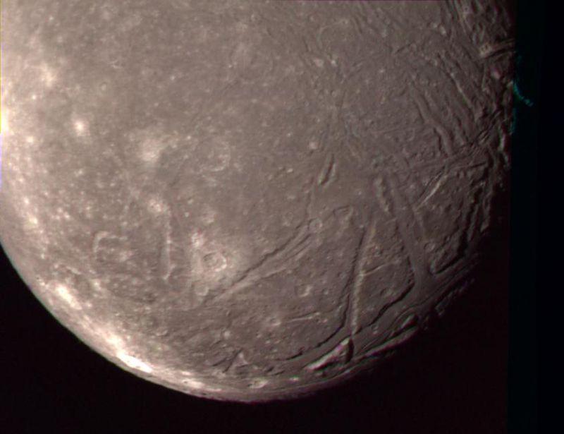 Ariel - Foto: Voyager 2