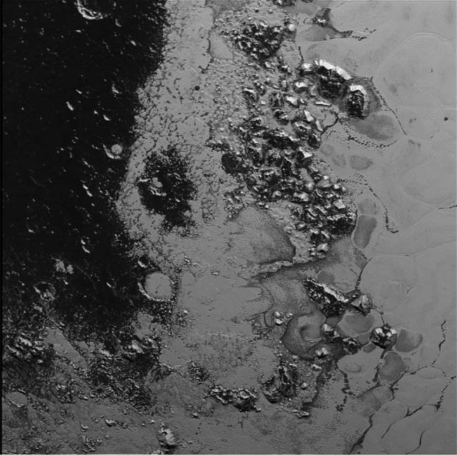 Pormenores da superfície de Plutão