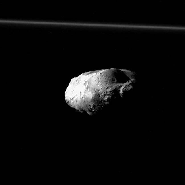 Prometeu - Foto da Cassini